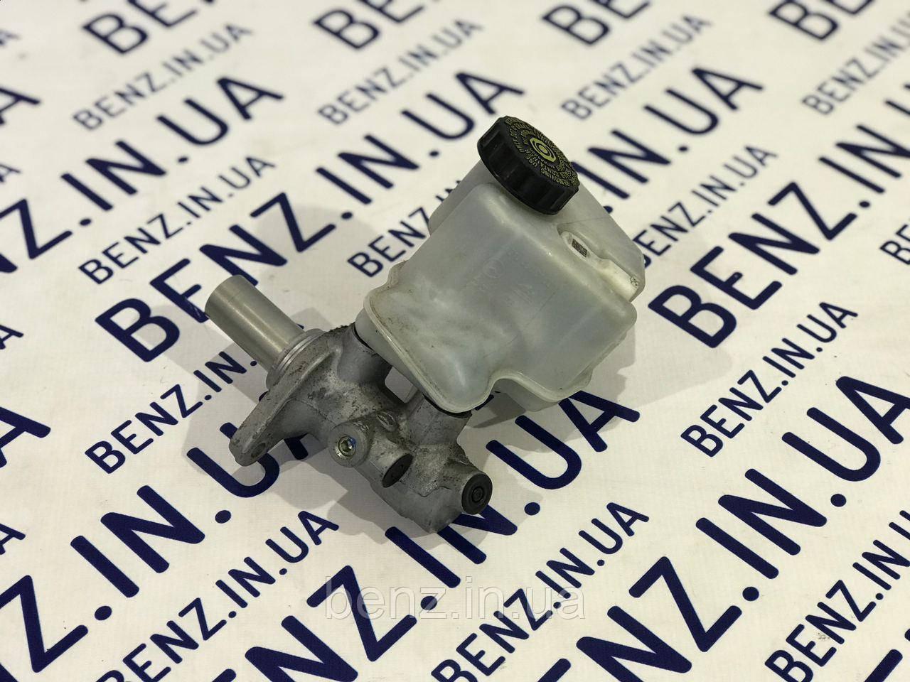 Головний гальмівний циліндр з бочком Mercedes W212/W204/S212 A2124300601