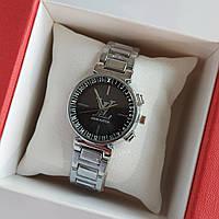 Женские наручные часы серебристого цвета на браслете Louis Vuitton, черный циферблат, дата - код 1757, фото 1