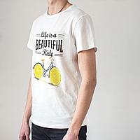 Мужская белая футболка с велосипедом