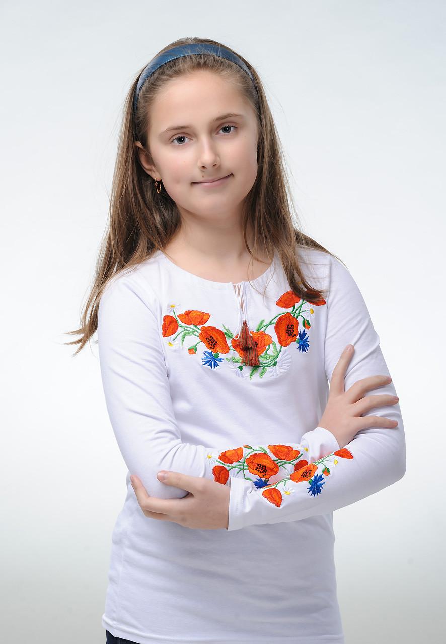 Белая вышитая футболка для девочки с цветами «Маки с васильками»
