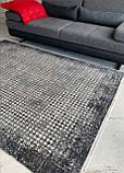 Сірий килим з бананового шовку з сучасним малюнком, фото 2