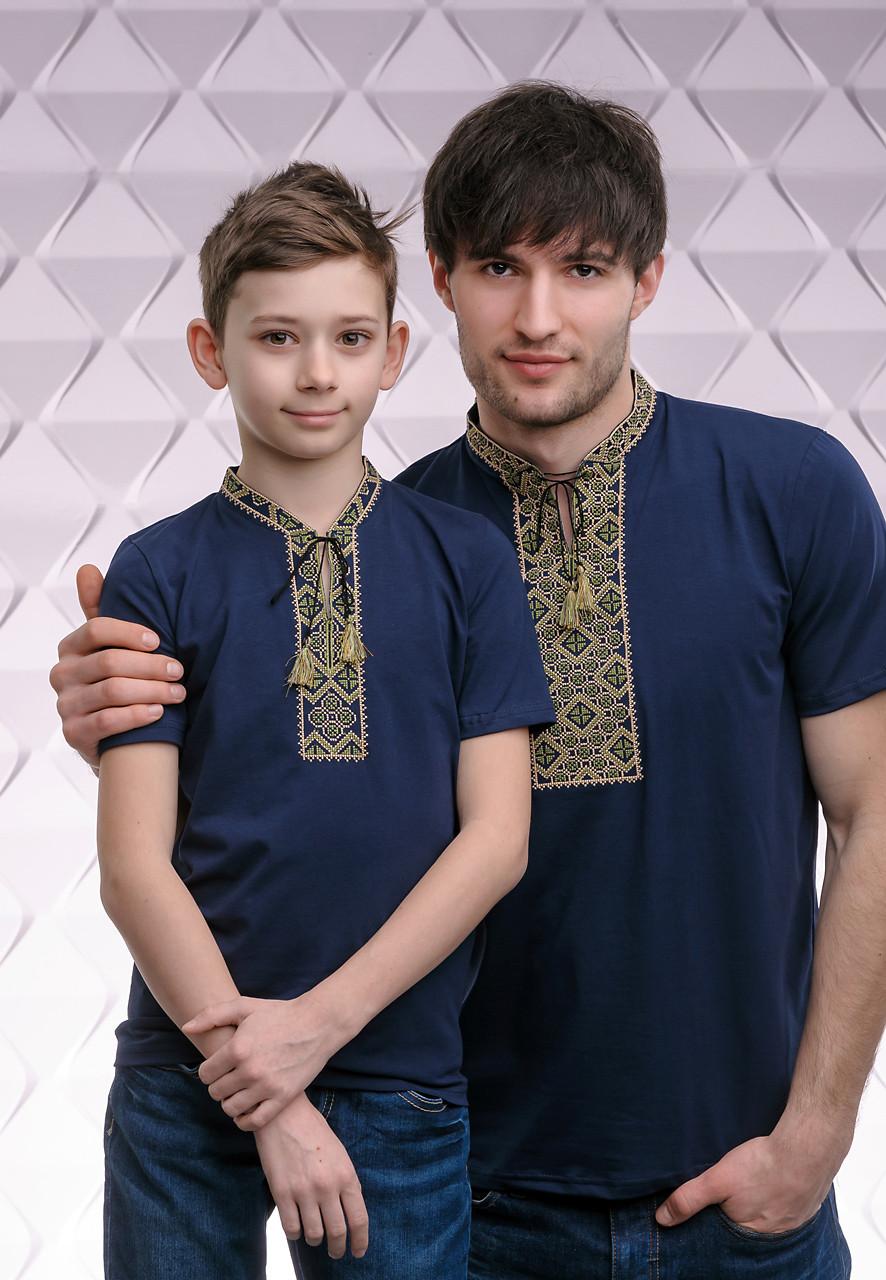 Комплект вышитых футболок для отца и сына «Казацкая (зеленая вышивка)»