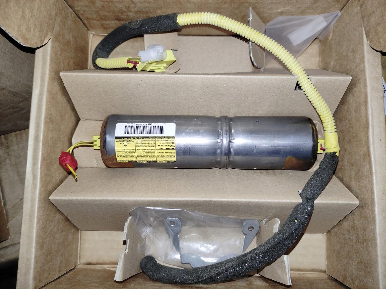 Комплект газогенератора подушки Toyota Corolla 04007-17202. Пиропатрон TOYOTA 04007-17202 INFLATOR Assy Kit