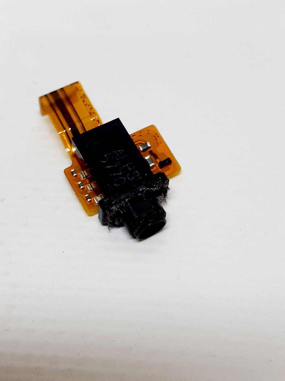 Шлейф с раудио разъемом SONY Xperia XZ F8332/ XZs G8232, оригинал б.у.