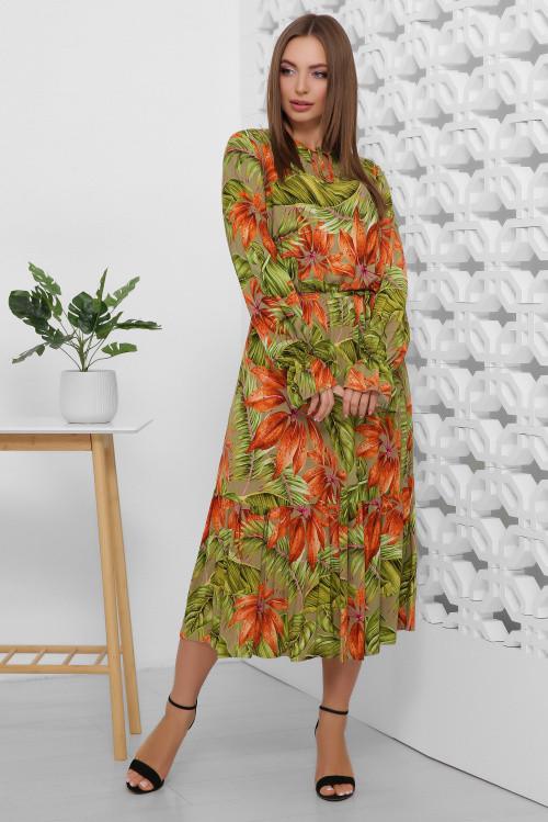 Женственное платье с тонким пояском зеленое