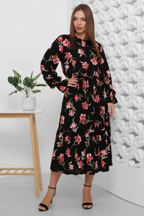 Жіночна сукня з тонким паском чорне