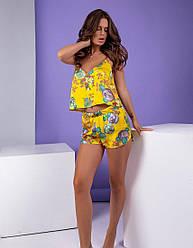 Шёлковая женская горчичная пижама из топа и шорт с принтом