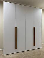 Шкаф распашной с фасадами дсп матовое. Шкаф без ручек. Шкаф с ручками