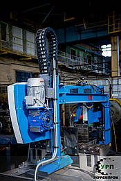 Резка металлических деталей на лентопильном станке
