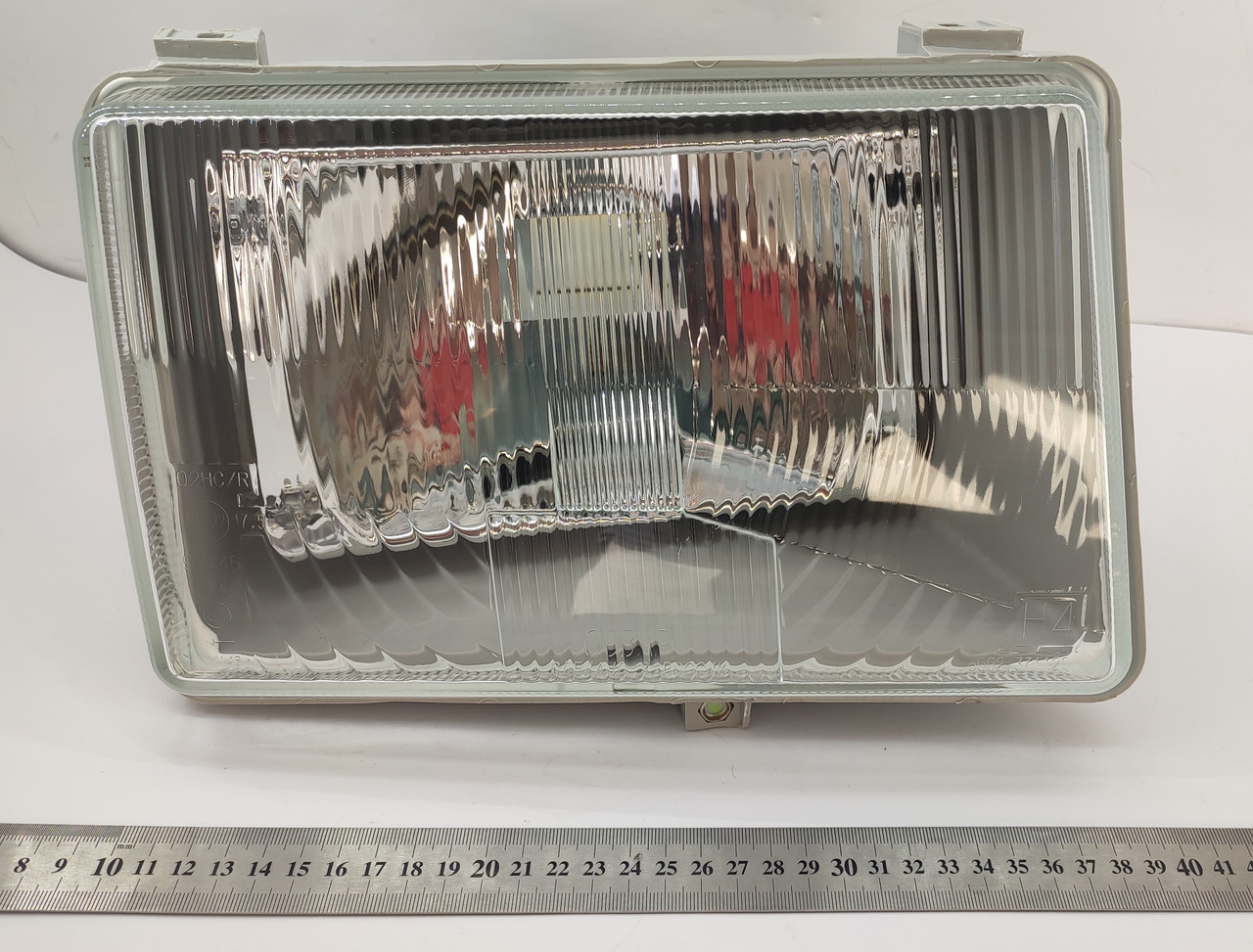 Фара ГАЗЕЛЬ левая (рифленое стекло) ГАЗ 2705, 3302, 3110, ЗИЛ, АЗЛК без лампочки (пр-во ОСВАР)