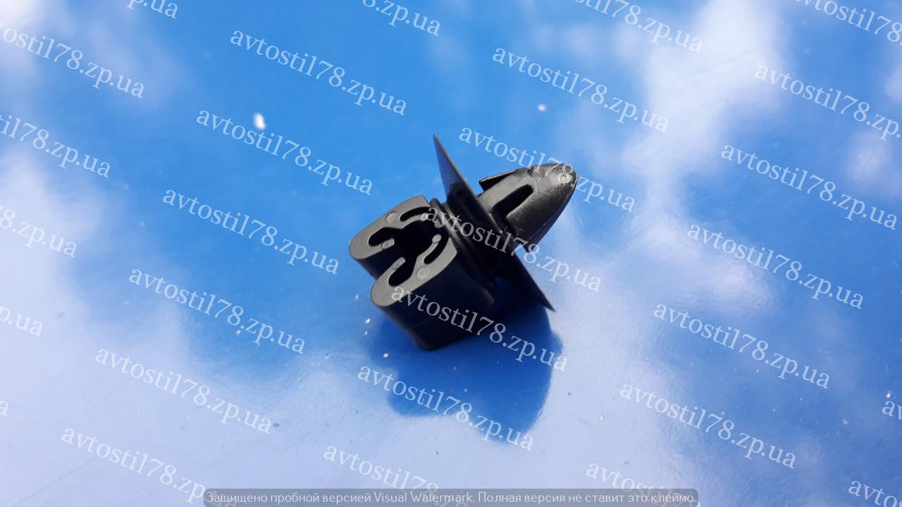 Клипса троса капота,шланга тормозного Лачетти Нубира Такума GM 94530268