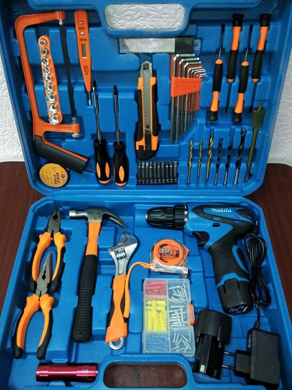 Шуруповерт Макита Makita DF330DWE (12V, 2Ah) с набором инструментов(мультитулс)Аккумуляторный дрель-шуруповерт