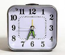 Настольные кварцевые часы будильник XD-927