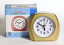 Настольные часы, будильник XINDA 789 с подсветкой. Золотистого цвета
