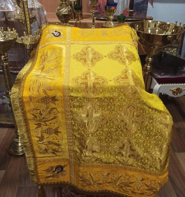 Скатерть церковная желтая с вышивкой 105*70 (есть разные цвета)