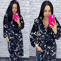 Длинный плюшевый халат с капюшоном черный с листьями, фото 2