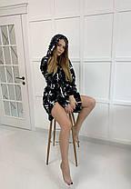 Короткий плюшевый халат с капюшоном черный с листьями, фото 3