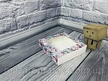 Коробка з віконцем 12х12х3 см кольорова 10шт