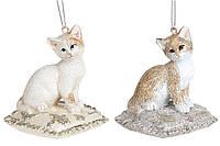 Набор декоративных подвесных фигурок Кошка на подушке, 7.5см, 2 вида, цвет - кремово-бежевый, 2 шт.