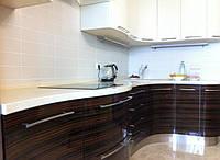 кухни из шпона с гнутыми фасадами фото 70