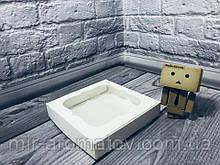 Коробка с окошком  15*15*3 см  10шт