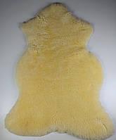 Натуральная меховая накидка из овечьей шкуры желтая 1.10 см * 50 см.