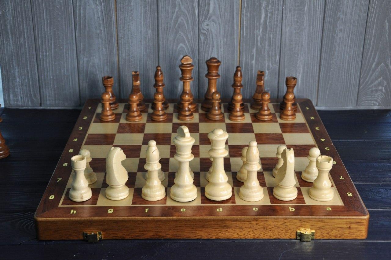 Деревянные шахматы 45 см