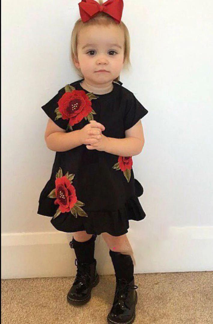 Детское платье с вышивкой цветы