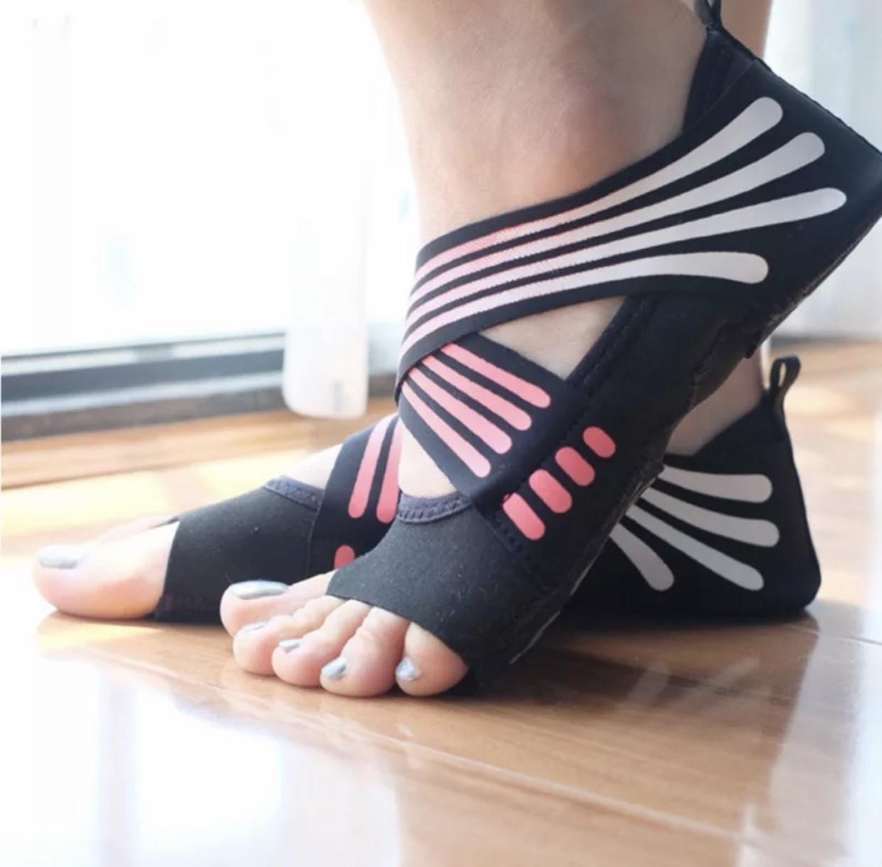 Носки чешки противоскользящие для йоги пилатеса танцев