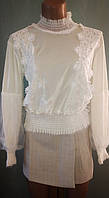 Жіноча оксамитова/велюрова кофта/блуза з гіпюром, біла, 42-44