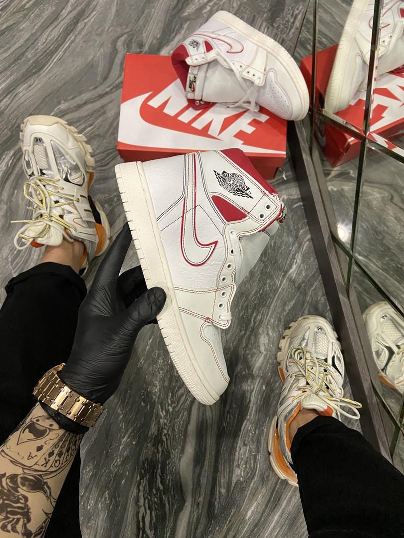 Женские кроссовки Nike Air Jordan 1 Retro White Red
