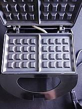 Качественная вафельница Domotec MS 7705