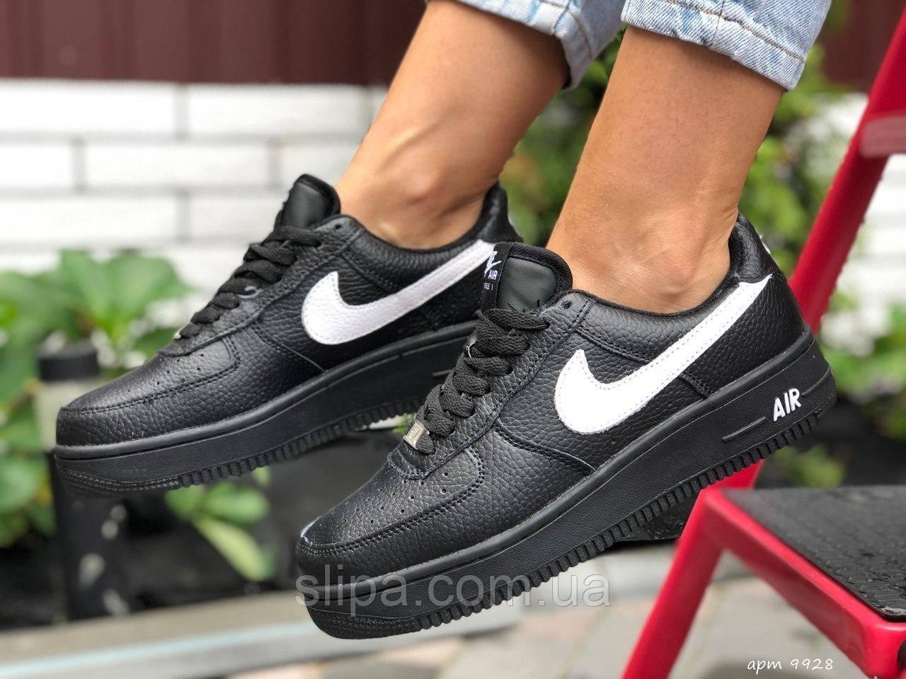 Женские кожаные зимние кроссовки Nike Air Force чёрные