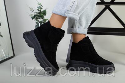 Ботинки женские замшевые черные на липучках зимние