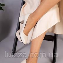 Туфли женские кожаные бежевые на каблуке, фото 3