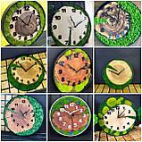 Годинник в металевому обідку до 30 см зі стабілізованим мохом Дерев'яні настінні Оригінальний декор подарунок, фото 2