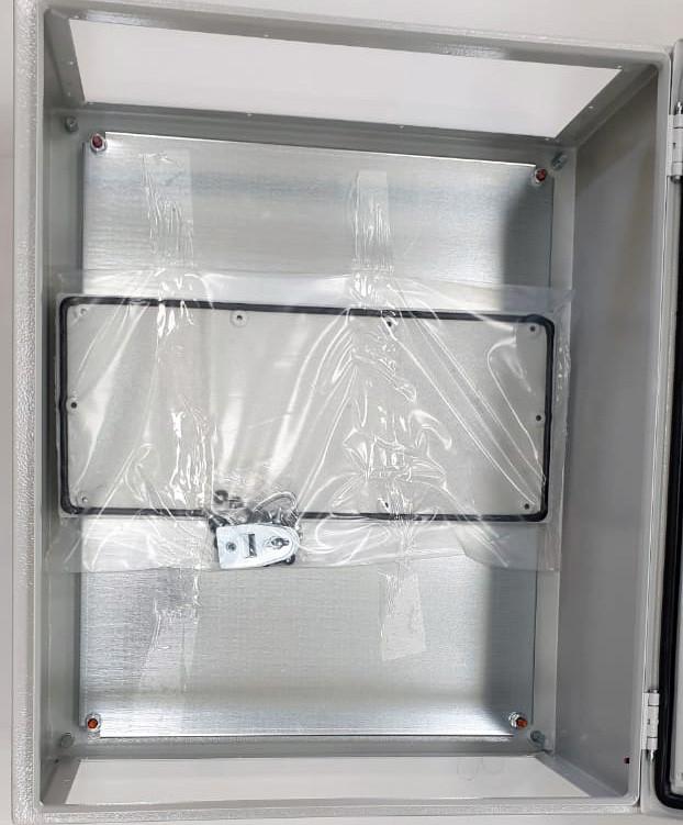 Щит монтажный навесной электрический распределительный с монтажной панелью (ящик / щиток) на стену класс защиты IP54