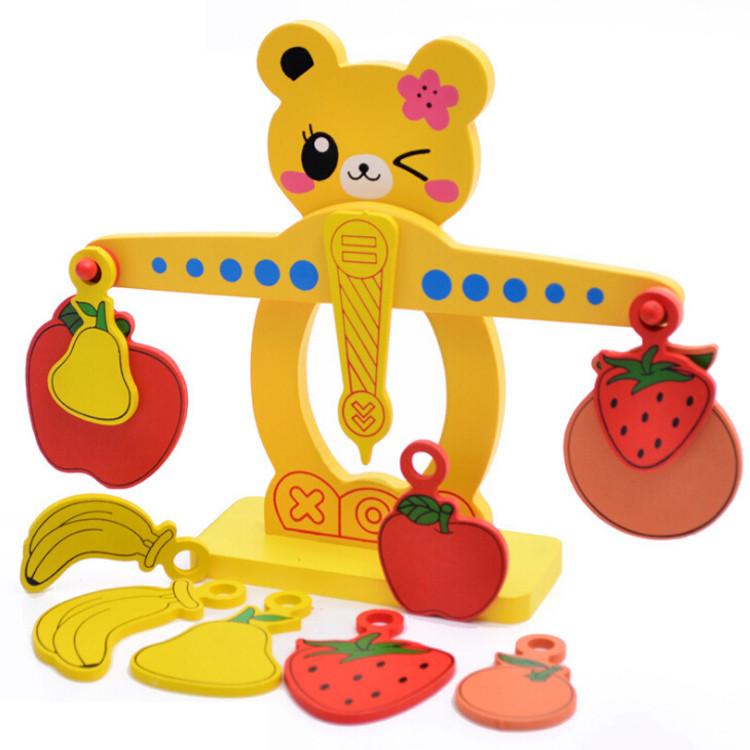 Розвиваюча дерев'яна іграшка фруктовий баланс