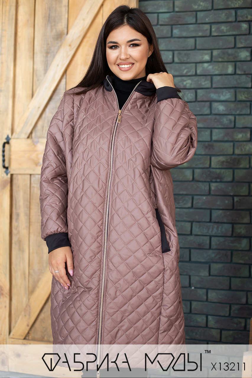 Стеганое Пальто ниже колена, прямого кроя с капюшоном в больших размерах 1blr807