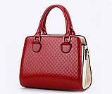 Стильная женская сумка Valenkuci красный с косметичкой и брелком, фото 5