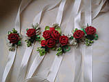 Бутоньерка с цветами  на руку гостям алая (разные цвета), фото 2