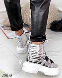Женские демисезонные спортивные ботинки на застежках серебристые черные, фото 3