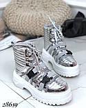 Женские демисезонные спортивные ботинки на застежках серебристые черные, фото 6