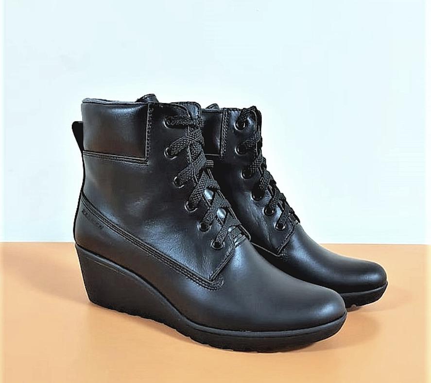 Ботинки женские кожаные черные на танкетке 144017