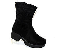 Демисезонные женские ботинки на квадратном каблуке замшевые
