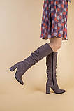Демисезонные замшевые сапоги на каблуке цвета какао, фото 7