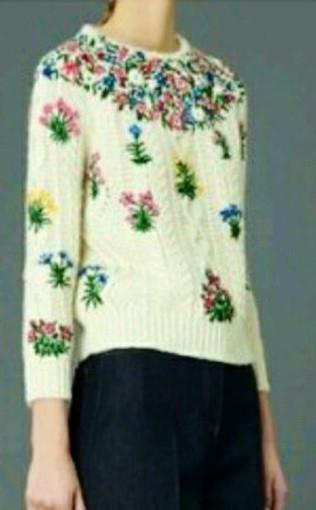 Свитер женский белый в стиле Dolce & Gabbana косы вышивка