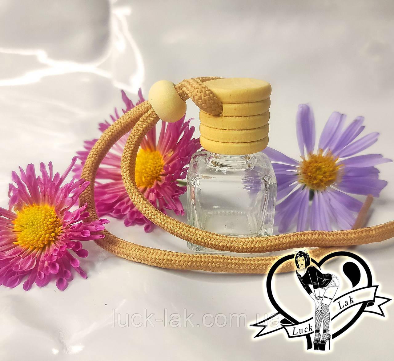 Бутылочка стеклянная с деревянной пробкой  для ароматов со шнурком 38х26 мм, 8 мл