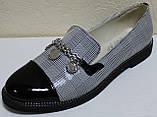 Туфли женские на низком каблуке от производителя модель КЛ2001-1, фото 2