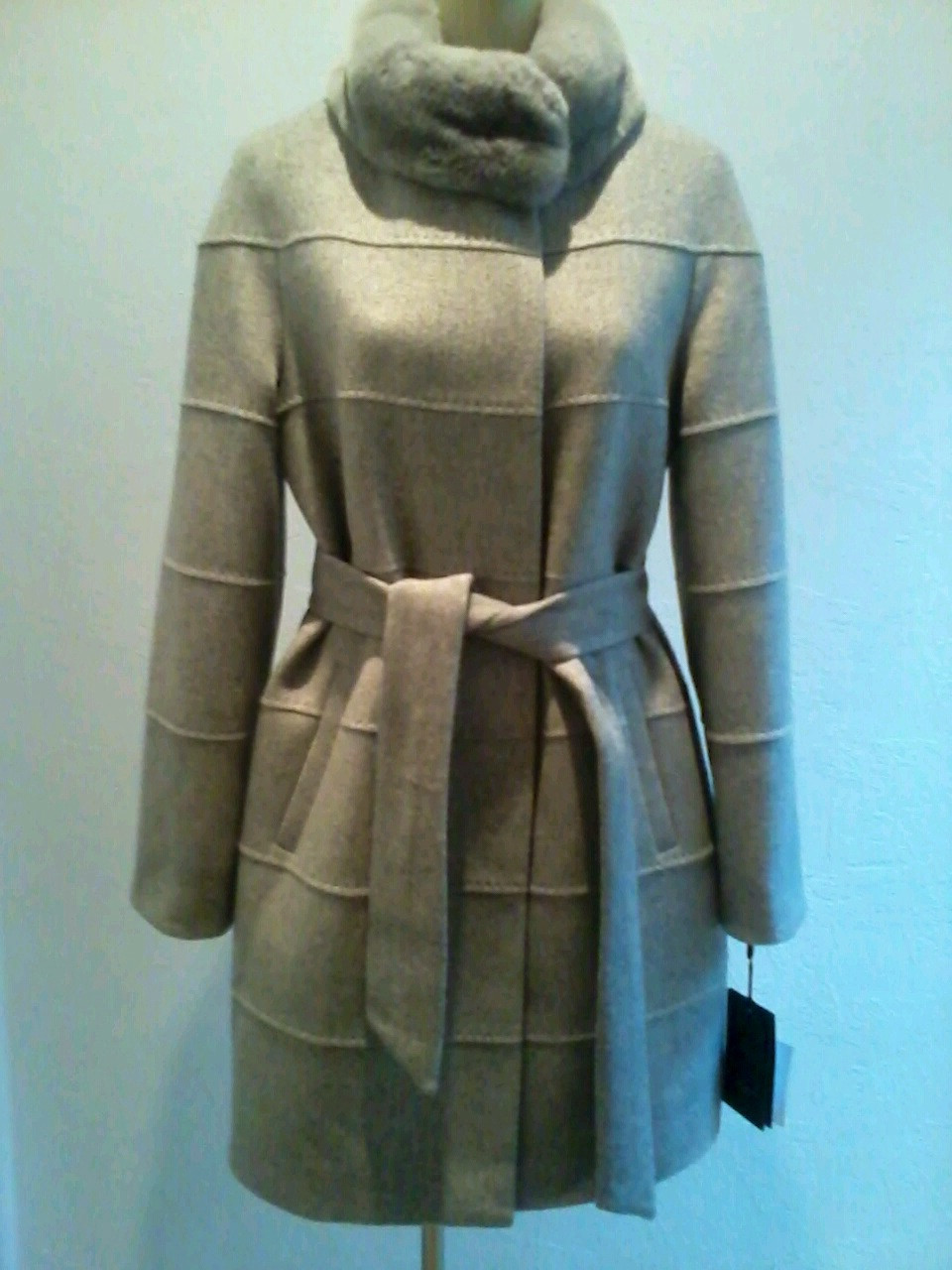 Пальто кашемировое женское серое с меховым